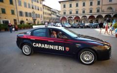 Firenze: Goran, carabiniere a quattro zampe, fiuta eroina nell'albero di Natale. Arrestati due tunisini