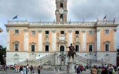 Roma si ribella a Marino: 25 consiglieri ( 19 del Pd, 2 della maggioranza e 4 dell'opposizione) pronti a dimettersi per far cadere il sindac...