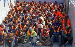 Immigrazione: ecco il piano Ue. L'Europa potrà accogliere solo 20.000 profughi, 2.000 in Italia