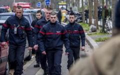 Parigi: morta una poliziotta durante una sparatoria