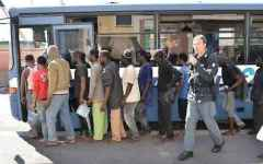 Toscana, centinaia di profughi in arrivo: il prefetto Varratta pronto a requisire ex caserme e allestire tendopoli