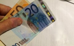 Montepulciano: arrestato con banconote false da 20 euro. Presto in circolazione le nuove e c'è fretta di smaltire le «scorte»