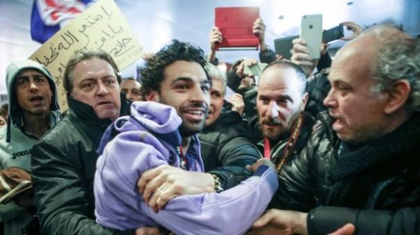 L'affetto dei tifosi viola per Salah