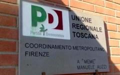 Firenze: bottiglie e pietre contro la sede del Pd. La polizia carica i manifestanti