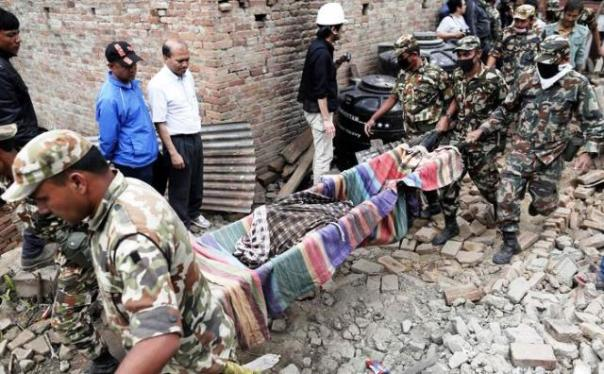 Nepal, operazioni di soccorso alle vittime del terremoto