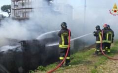 Pistoia: incendio negli ex macelli, sede di un centro sociale