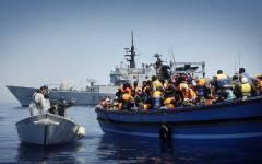 Immigrazione: la Gran Bretagna privatizza il servizio di espulsione degli stranieri