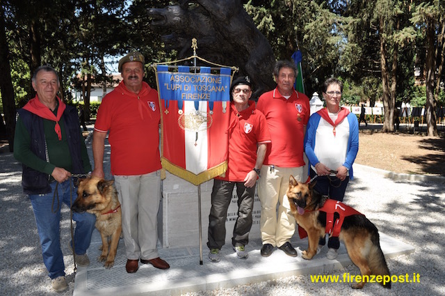 Una rappresentanza dell'Associazione  Lupi di Toscana