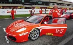 Autodromo del Mugello: Alessandro Vezzoni vince il Ferrari Challenge Pirelli. Domani, 8 ottobre, la sfida Vettel-Raikkonen