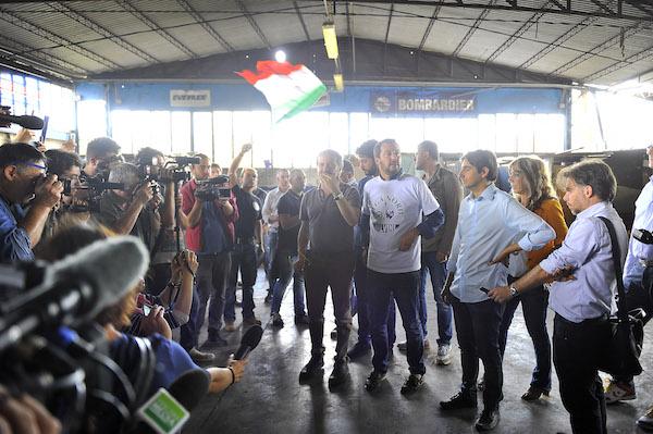 Salvini nel capannone occupato abusivamente a Peretola (foto Giacomo Morini)