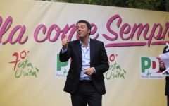 Bologna: Renzi contestato alla festa dell'unità da Cobas e centri sociali