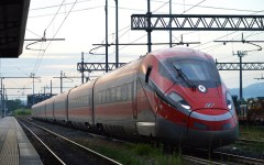 Ferrovie Alta velocità: i comitati di pendolari denunciano Trenitalia per pubblicità ingannevole e abuso di posizione dominante