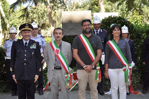 Da sinistra il generale Gian Franco Camperi, il consigliere Luca Milani, l'assessore Riccardo Rucciotti e sarà Biagiotti,  sindaco di Sesto Fiorentino