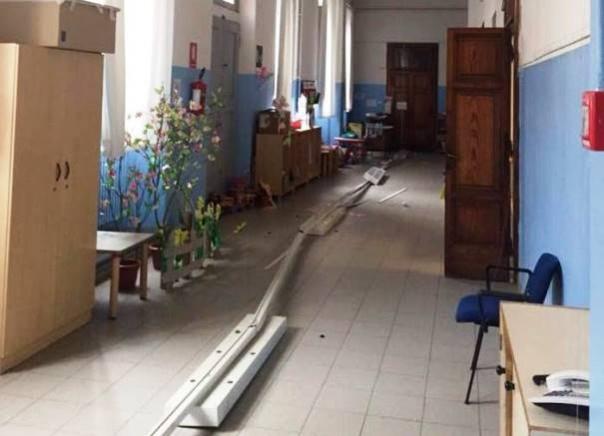 Scuola dell'infanzia Giotto, le plefoniere crollate