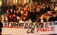 Toscana, scuola: fiaccolate contro la riforma venerdì 5 giugno. Poi sciopero degli scrutini