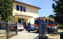 Arezzo, seggio elettorale: uomo ferito da un colpo di pistola