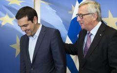 Grecia: l'Ue trova l'accordo per la ristrutturazione del debito. Prestito di 10,3 miliardi