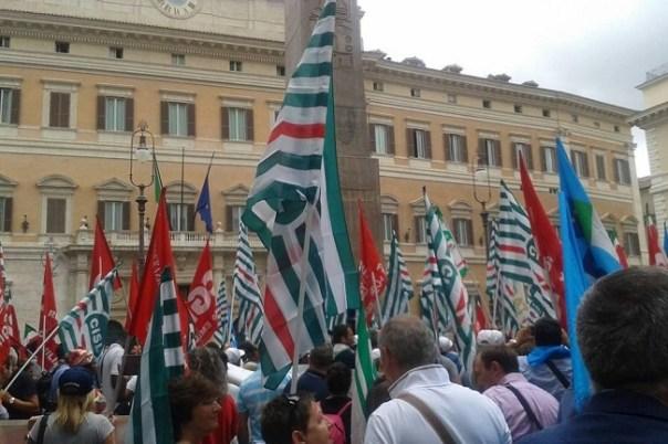 Province, manifestazione a Roma