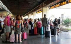 Firenze, stazione Santa Maria Novella nel caos per un guasto ai binari. Riunione d'emergenza