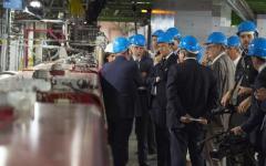 Ginevra: Renzi, in visita al Cern, loda l'Europa comunitaria che funziona. Ma la Svizzera è fuori dall'Ue ...