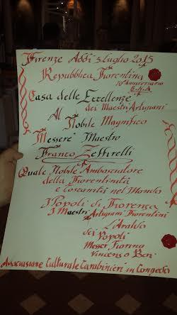 La pergamena consegnata a Franco Zeffirelli dagli artigiani e dall'Associazione carabinieri in congedo