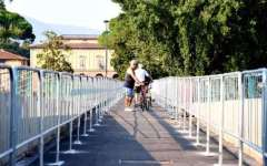 Firenze, passerella dell'Isolotto riaperta a pedoni e biciclette. Non a scooter e motorini