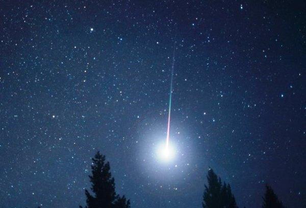 Stelle cadenti, la luna nuova favorirà la visibilità delle meteore