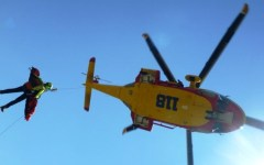 Grosseto, incidente all'elicottero Pegaso del 118: medico e infermiere precipitano dal verricello di soccorso. Sono gravi. Muore la donna ch...