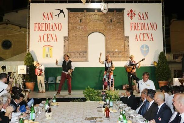 La grande cena in piazza di Cestello, grande appuntamento annuale per San Frediano