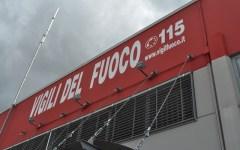 Firenze: ramo pericolante, traffico chiuso nel lungarno Colombo
