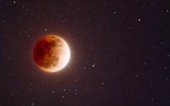 Eclissi totale di Luna settembre 2015: diretta streaming nella notte tra domenica 27 e lunedì 28. Cosa prevede il meteo