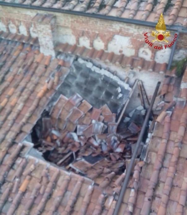 Il crollo del tetto nella chiesa di san Francesco