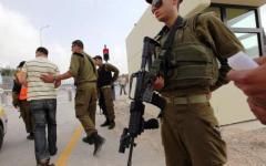 Cisgiordania, il fotografo Andrea Bernardi di Pietrasanta aggredito da soldati israeliani (VIDEO)