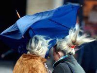 Sono attese forti raffiche di vento in Toscana