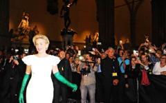 Firenze: Celebrity fight night in Palazzo Vecchio. Con Sharon Stone, Andrea Bocelli e mister Bee (quello del Milan)