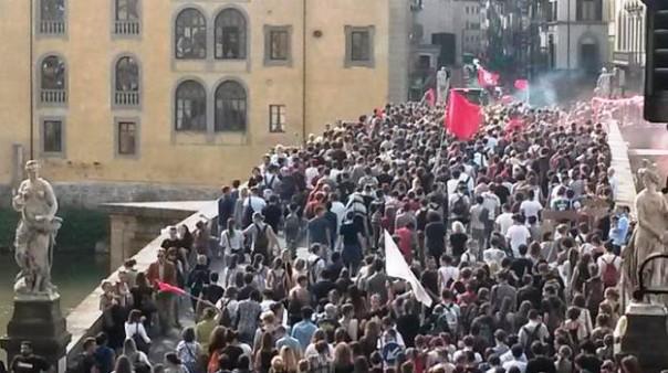 Firenze, corteo degli studenti