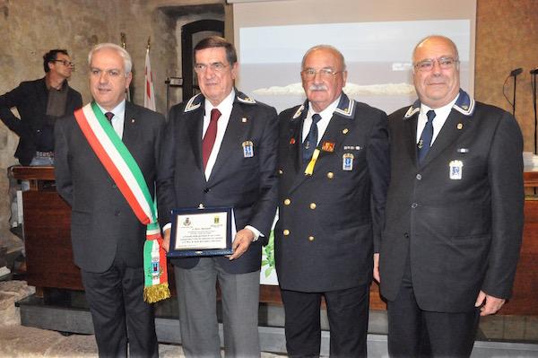 Da sin. il sindaco Sergio Ortelli, Silvio Bartolotti, Silvano Molducci e Osvaldo Landini