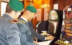 Siena, scommesse illegali al bar: locale sequestrato