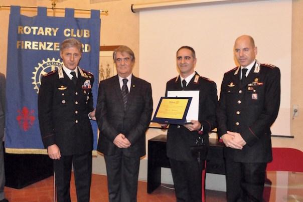da sinistra il generale Emanuele Saltalamacchia, il presidente del Rotary Paolo Santoro, il vice brigadiere Claudio Cusanno, il colonnello Marco Lorenzoni