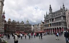 Terrorismo, a Bruxelles massima allerta: metro e treni fermi, partite di calcio rinviate, spettacoli annullati