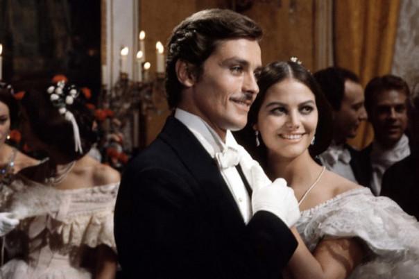 Alain Delon con Claudia Cardinale nel «Gattopardo» di Visconti