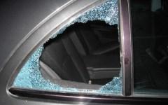 Firenze, vetri delle auto spaccati per rubare: 30 furti in una notte