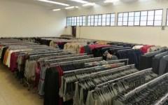 Prato, sequestrati 50 mila falsi capi d'abbigliamento. Valore: 1,2 milioni di euro