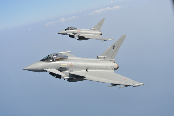 Caccia eurofighter dell'Aeronautica militare italiana