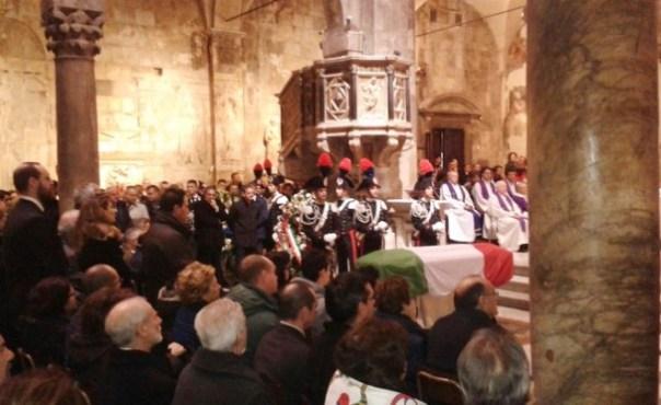 Carrara, i funerali del maresciallo dei carabinieri Antonio Taibi