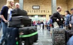 Firenze, treni: ritardi per 10 convogli alta velocità e 18 regionali. Passeggeri infuriati