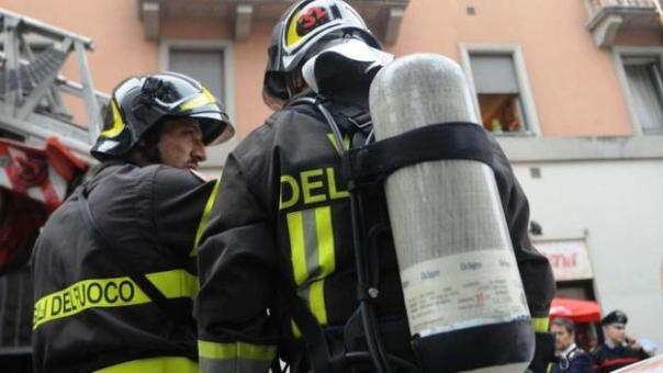 Livorno, i vigili del fuoco sono intervenuti in via Fagiuoli