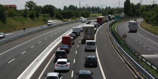 Natale, traffico in aumento sulle autostrade: oggi 'bollino rosso'