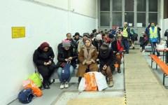 Immigrazione: la Svezia rimpatria 80mila migranti. L'Italia se li tiene tutti