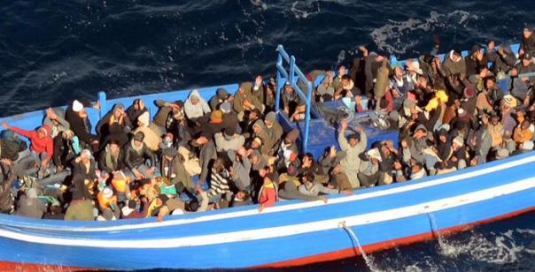 Italian navy in bid to rescue some 200 migrants off Lampedusa